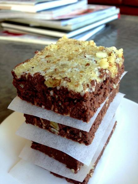 chocolatefudgeproteinbars2